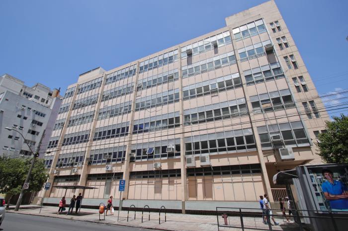 Caxumba em funcionários suspende atendimentos no hospital Presidente Vargas