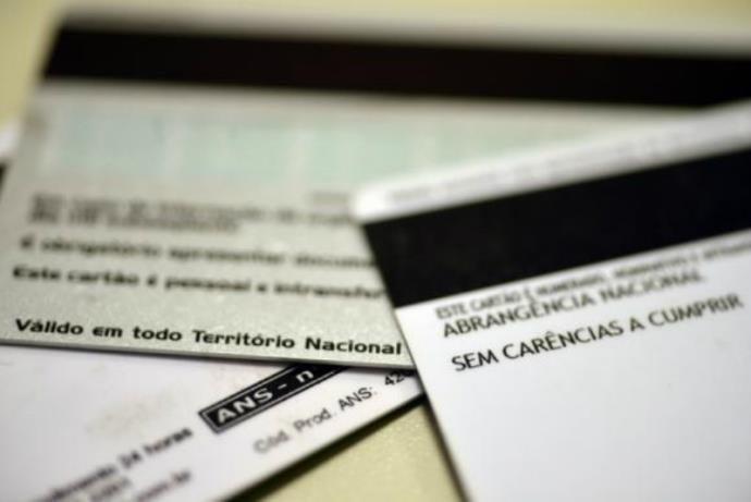 Cármen Lúcia suspende cobrança de até 40% em procedimentos por planos de saúde