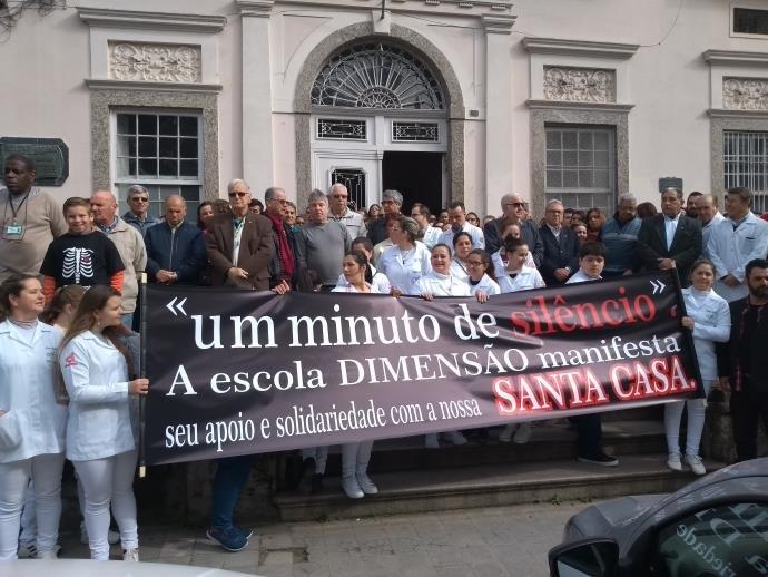 Comunidade faz manifestação em prol da Santa Casa de Pelotas