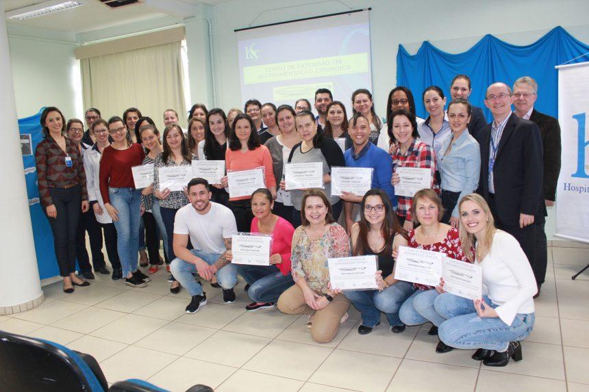 HSC entrega certificados do curso de instrumentação cirúrgica