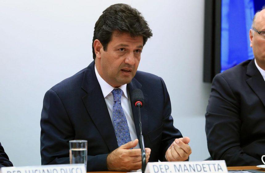 Bolsonaro anuncia deputado Mandetta como futuro ministro da Saúde