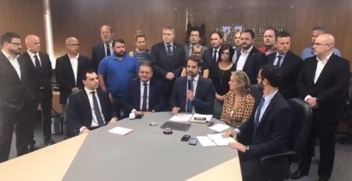 Leite assina seis decretos para maior controle das despesas do Rio Grande do Sul