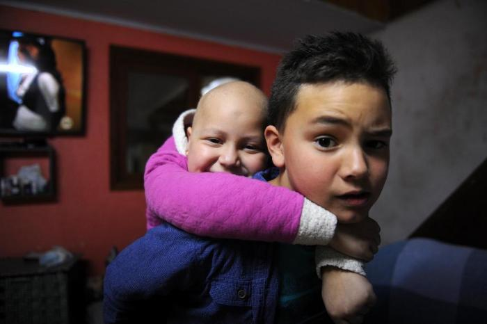 Conheça a história da menina de Caxias do Sul que receberá doação de medula do irmão