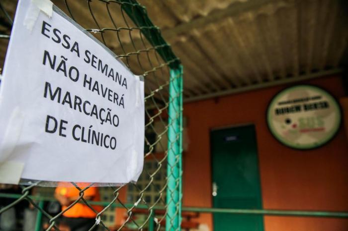 Postos de saúde de Porto Alegre têm defasagem de funcionários