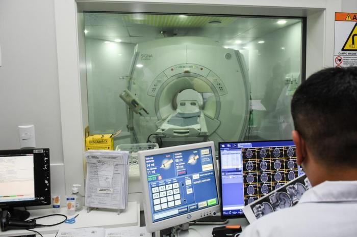 Neurocirurgia com técnica inovadora é realizada em paciente do SUS na Capital