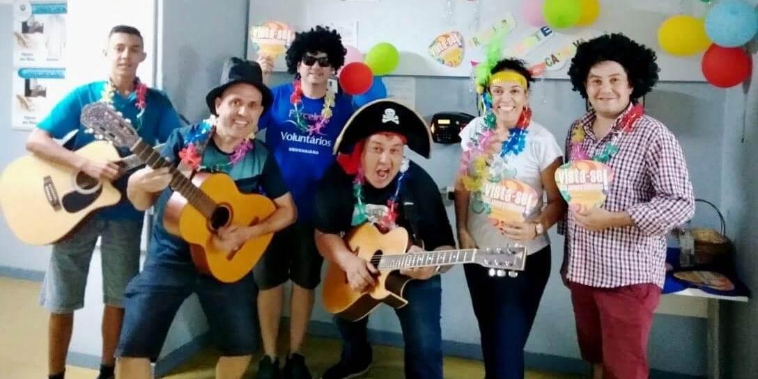 """Voluntários realizam """"Serenata de Carnaval"""" em hospital de Uruguaiana"""